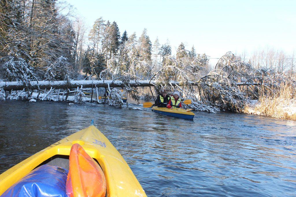 Zimowy spływ kajakowy Szot