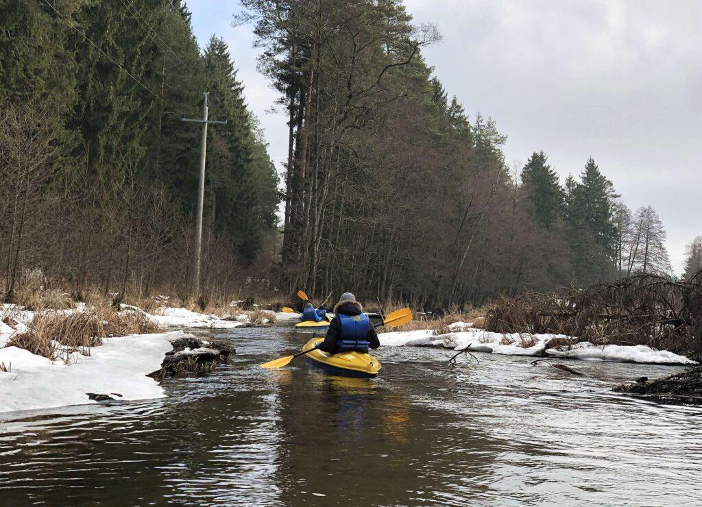 Zimowy spływ kajakowy Szot.pl