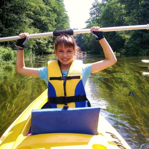 Jednodniowe spływy kajakowe dla grup młodzieżowych